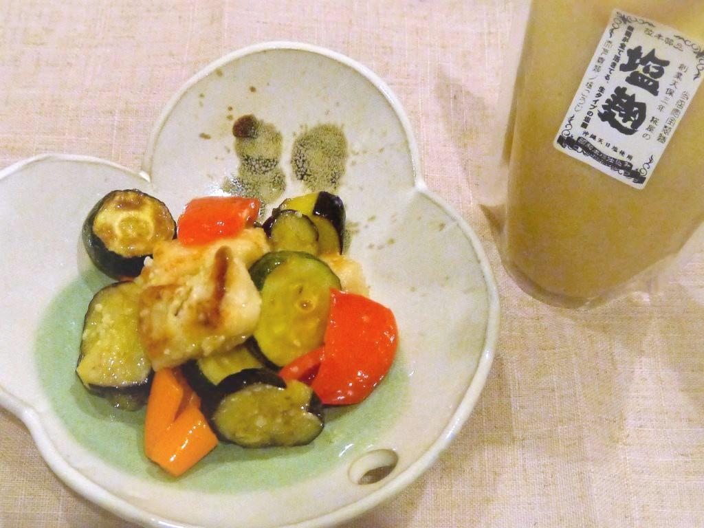 夏野菜と揚げ鶏のさっぱり塩麴酢和え