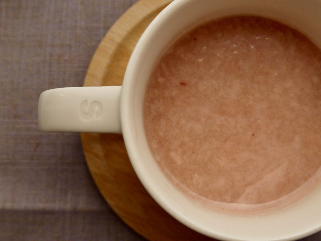 紅麹甘酒のホットミルク