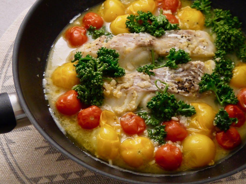 白身魚のにんにく塩麹×ワイン蒸し
